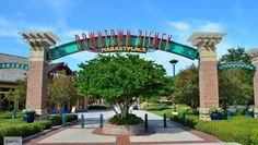 20 FREE Things to do at Downtown Disney