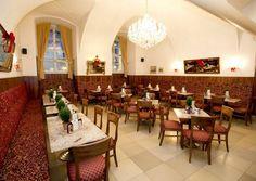 Café Hofburg ::Das Café Hofburg - eines der besten Kaffeehäuser in Wien Conference Room, Cities, Table, Furniture, Google, Home Decor, Vienna, Interiors, Coffee Cafe