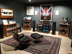 Heres my listening room. I shared it with r/audiophile previously Heres my listening room. I shared it with r/audiophile previously Home Music Rooms, Music Studio Room, Audio Studio, Sound Room, Casa Loft, Vinyl Room, Guitar Room, Vinyl Record Storage, Audio Room