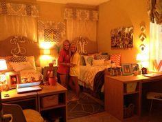 cutest dorm room, love the lighting!!