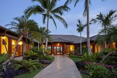 One-Quarter of This $15 Million Hawaii Mansion Is Outdoors - Bloomberg