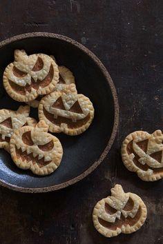 Jack-O-Lantern Pumpkin Hand Pie | Cute And Fun Food Recipes For Parties by Pioneer Settler at http://pioneersettler.com/spooky-halloween-dessert-ideas/