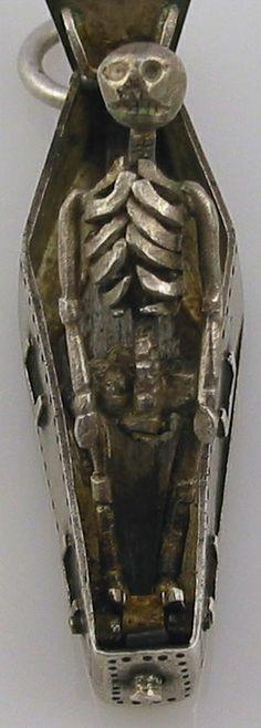 ☆ Memento Mori Mourning Skeleton Pendant inside a Coffin ☆