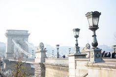 Reisen: Kettenbrücke in Budapest, Ungarn.