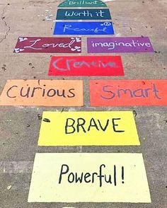 Planet Flip Book Now this is a hopscotch that belongs on every elementary school blacktop! Playground Painting, Playground Games, Outdoor School, Outdoor Classroom, School Murals, Art School, Hopscotch, Outdoor Learning, School Decorations