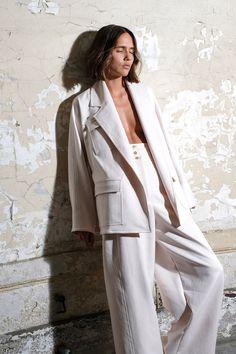 Maison Rabih Kayrouz Spring 2018 Ready-to-Wear Collection Photos - Vogue