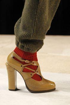Fendi Fall 2011 Ready-to-Wear Fashion Show Details