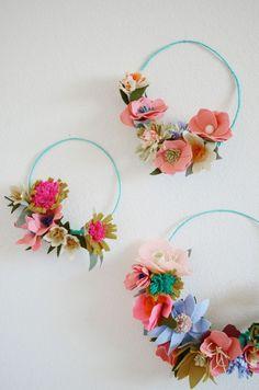 DIY IDEA: Felt flowers to make sweet wreaths
