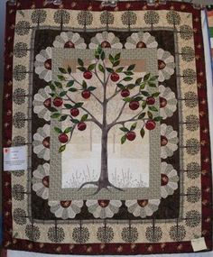 Tree of Paradise (wedding quilt) *In the book Alias Grace by Margaret Atwood each chapter has a different quilt pattern from the 1800's for its title