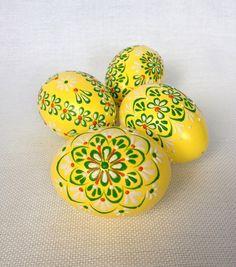 Set von 4 Handgemalte Farben verzierte Osterei made by VeryAndVery via DaWanda.com