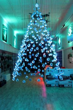 Cool 47 Inspiring and Unique Christmas Tree Décoration Ideas. More at https://trendecor.co/2017/11/06/47-inspiring-unique-christmas-tree-decoration-ideas/
