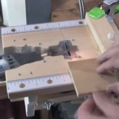 Little jobs require little tools and you can't get much more littler than a Dremel. For his tiny tasks,[sdudley] has built a Dremel-powered base station that features a table saw, drum sander and ro...
