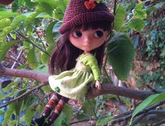 Hey, I found this really awesome Etsy listing at https://www.etsy.com/listing/184822860/apple-green-top-for-blythe