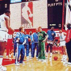 1988 #NBA #AllStar Weekend. #KevinMchale #BradDaugherty #MosesMalone #DominiqueWilkins #MikeFratello #MauriceCheeks #CharlesBarkley #DannyAinge #PatrickEwing #DocRivers #MichaelJordan #LarryBird #ChicagoStadium #NBAhistory #VintageNBA #oldschoolNBA #retroNBA