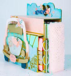 "Johanna Rivero / scrapbooking on Instagram: ""Nuevo TALLER ONLINE ❤️❤️😍⭐️, Album Caja COCHE SUPER WOW😅😍😍😍❤️, este proyecto mide 35 x 33 cm y pesa unos 4 kilos 🤯😱... Todo el proyecto es…"" Large Scrapbook, Scrapbook Albums, Paper Crafts, Instagram, Atelier, Crates, Blue Prints, Tissue Paper Crafts, Scrapbooks"