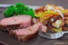 Ингредиенты:Мясо свиное — 1 кгПаприка — 3 ч. л.Кайенский перец — 1/2 ч. л.Чеснок (сушеный) — 1 ст. л.Орегано (сушеный) — 1 ч. л.Соль — 1/2 ч. л.Перец — 1/2 ч. л.Мускатный орех — 1/4 ч. …
