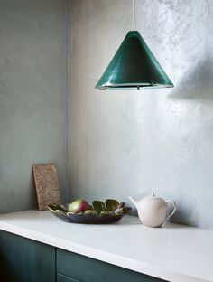 Gallery with inspirational pictures of kitchens where Pure & Original paint is applied. Like Fresco lime paint, Classico chalk-based paint and Marrakech Walls. Cosmopolitan, Lime Paint, Devol Kitchens, Traditional Paint, Kitchen Paint Colors, Paint Colours, Tadelakt, Paint Brands, Kitchen Dinning