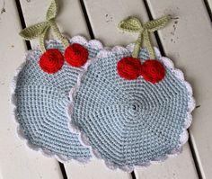Man kan da kun komme i sommerstemning af disse lapper Crochet Potholders, Crochet Dishcloths, Tunisian Crochet, Crochet Doilies, Crochet Stitches, Knit Crochet, Crochet Hot Pads, Crochet Cup Cozy, Hot Pads