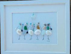 Pebble art 6 girls pebble art 6 woman Woman gift Woman Sea Glass Crafts, Sea Glass Art, Stone Crafts, Rock Crafts, Pebble Pictures, Art Pictures, Christmas Gifts For Couples, Christmas Couple, Flax Flowers