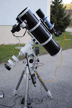 """TELESKOP : SKY WATCHER BLACK LINE NEWTON 200 / 1000 MONTIERUNG : NEQ 6 PRO-SynScan """"GOTO"""" AUTOGUIDER : LACERTA MGEN LEITFERNROHR : SKY WATCHER 70/ 500 KAMERA : CANON EOS 60D CANON EOS 1000 Da"""