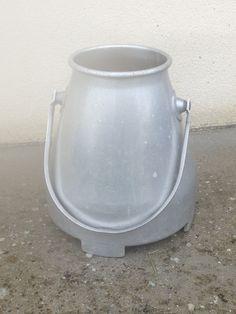 vintage aluminium milk pot from '60s, 37 cm high, diameter 32 cm