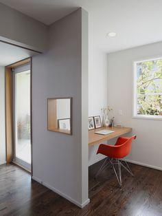 Wonderful Kitchen Design In The House: Modern Minimalist Home Office Wooden Desk Leschi Remodel Home Office Design, Home Interior Design, House Design, Small Space Design, Small Spaces, Contemporary Home Offices, Office Nook, Desk Nook, Study Office