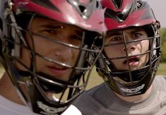 Scott ( Tyler Posey) and Stiles ( Dylan O'Brien) are so cute! Teen Wolf Mtv, Teen Wolf Dylan, Teen Wolf Stiles, Dylan O'brien, Teen Wolf Lacrosse, Scott And Stiles, Wolf Character, Teen Wolf Seasons, Wolf Love