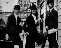 Fashion of the 1960s still inspires what we wear today. Just take a look at all the stylish things that made the 1960s a great decade.   1. ...
