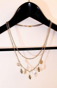Epla er et nettsted for kjøp og salg av håndlagde og andre unike ting! Gold Necklace, Hat, Diamond, Jewelry, Chip Hat, Gold Pendant Necklace, Jewlery, Jewerly, Schmuck