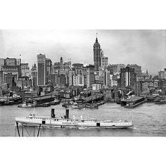 "oldvintagenewyork: ""Manhattan Skyline SS Bunker Hill crossing the East River New York City 1908. #NY #NewYork #NewYorkCity #City #Manhattan #NYC #Vintage #Old"""