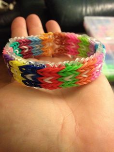 Block pattern on triple fishtail rainbow loom.