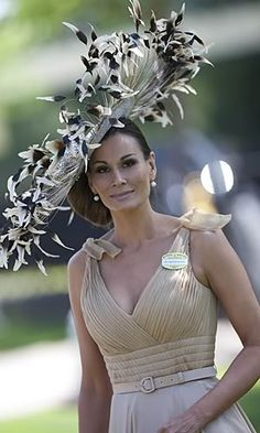 Billedresultat for isabell kristensen fashion Funky Hats, Crazy Hats, Cool Hats, Race Day Hats, Fascinator Hats, Fascinators, Headpieces, Royal Ascot Hats, Pamela