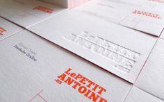 """El letterpress, como se conoce comúnmente o """"Impresión tipográfica"""" como se traduce al español, es el sistema de impresión de Johannes Gutemberg, a quién se le atribuye el uso de la Imprenta de Tipos Móviles."""