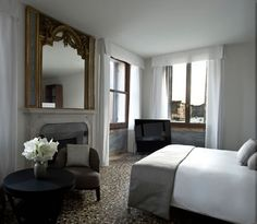 Explore the Enchanting Aman Canal Grande Hotel in Venice (Fres Home) Grey Fireplace, Fireplace Design, Grand Canal, Venice Italy Hotels, Venice Hotel, Grooms Room, Grande Hotel, Luxury Accommodation, Luxury Hotels