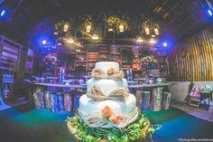 Mesa de bolo e doces. Casamento Renan & Jeane. ♥