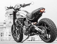Land of Joy Ducati Scrambler Custom, Cafe Racer Motorcycle, Custom Street Bikes, Custom Bikes, Motor Cafe Racer, Yamaha 250, Moto Ducati, Cb 500, Moto Cafe