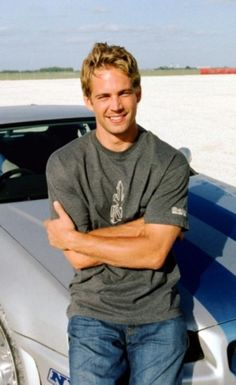 paul walker skyline His smile is something - paulwalker Actor Paul Walker, Paul Walker Movies, Rip Paul Walker, Hot Actors, Actors & Actresses, Paul Walker Pictures, Gorgeous Men, Beautiful Soul, Fast And Furious