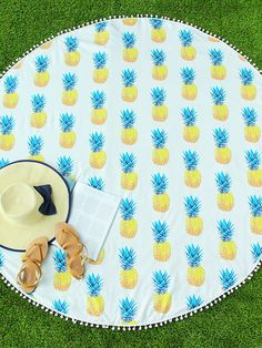 Shop Pineapple Print Pom Pom Trim Round Beach Blanket online. SheIn offers Pineapple Print Pom Pom Trim Round Beach Blanket & more to fit your fashionable needs.