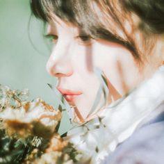 """Hana on Instagram: """". . 未来はずっと先だよ 僕にも分からない model: ( @marematsuura ) 私の名前、漢字で「葉菜」と書きます。 何故この漢字にしたのか 幼い頃両親に聞いた事があります。 葉菜ってどちらも意味的に雑草や草を意味します。…"""" Photography Themes, Girl Photography, Pose Reference Photo, Model Face, Foto Pose, First Art, Portraits, Aesthetic Girl, Ulzzang Girl"""