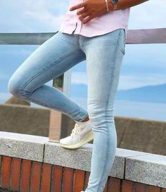 Tight Jeans Men, Superenge Jeans, Mens Fashion, Fashion Outfits, Skin Tight, Super Skinny Jeans, Jeans Style, Tights, Handsome