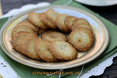 Cookie with Sesame Recipe (Bánh Quy Vừng) from http://www.vietnamesefood.com.vn/vietnamese-recipes/vietnamese-dessert-recipes/cookie-with-sesame-recipe-banh-quy-vung.html