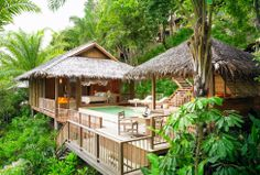 Excellent design concept - Small and beautiful, native style in harmony with nature and a little bit of extra luxury with this lovely little private pool ....Green setting!