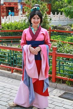 Information about Mulan (Ping) and pictures of Mulan including where to meet them and where to see them in parades and shows at the Disney Parks (Walt Disney World, Disneyland, Disneyland Paris, Tokyo Disneyland) Disney Girls, Run Disney, Disney Love, Disney Magic, Walt Disney World, Disney Stuff, Lea Salonga, Disney Cosplay, Princesa Mulan