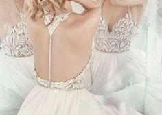 【アンテプリマ最新作】すべての女性を美しく魅せる、魔法のドレスが勢揃い♡NEWコレクションをチェック!