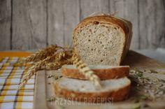 Chleb wieloziarnisty na zakwasie - PrzyslijPrzepis.pl Home Bakery, Banana Bread, Desserts, Food, Breads, Tailgate Desserts, Bread Rolls, Deserts, Essen