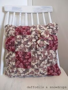 daffodils & snowdrops crochet cushion... What do you think...