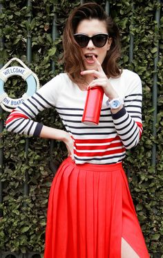 f8a5c9937e21 SPORTY Cool Outfits, Summer Outfits, Nautical Fashion, Sport Chic, Red And  White