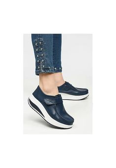 Mocasini piele naturala Justina Navy Vans Classic Slip On, Sneakers, Shoes, Fashion, Tennis, Moda, Slippers, Zapatos, Shoes Outlet