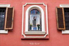 En güzel dekorasyon paylaşımları için Kadinika.com #kadinika #dekorasyon #decoration #woman #women Roma. Valle Aurelia. Edicola sacra