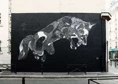 Giant fox mural by Philippe Baudelocque in Paris.